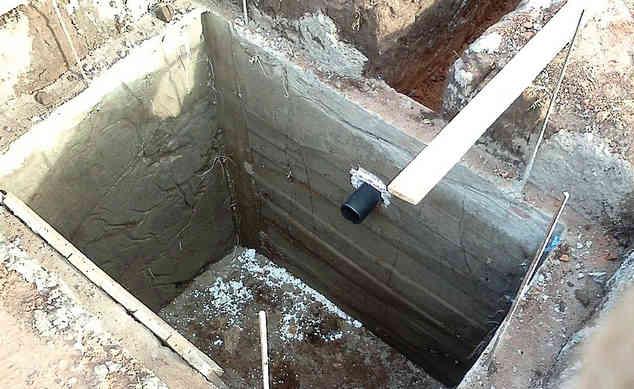 Герметичная сливная яма из бетона фото