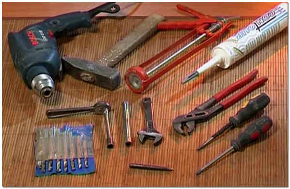 Набор инструментов для установки унитаза