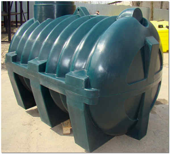 Накопительный пластиковый резервуар
