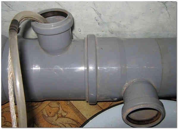 Разморозка ледяной пробки в канализационной трубе