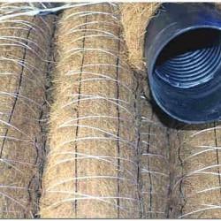 Перфорированная труба с фильтрующей оболочкой из кокосового волокна фото