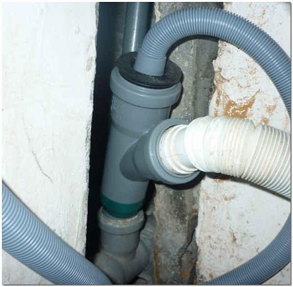 Шланг для подключения стиральной машины к канализации