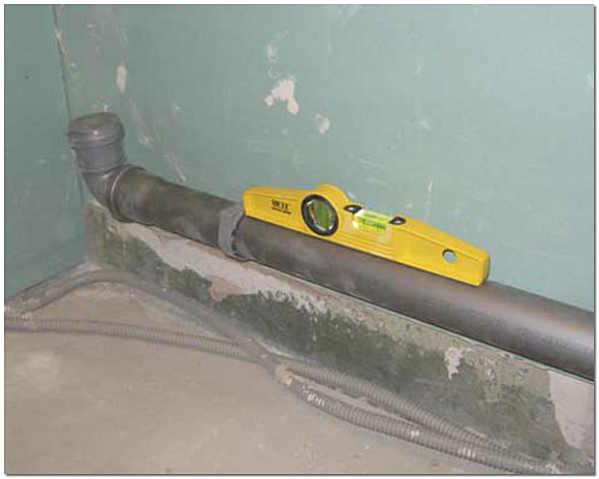 Уклон канализационной трубы 110 мм для внутренней канализации