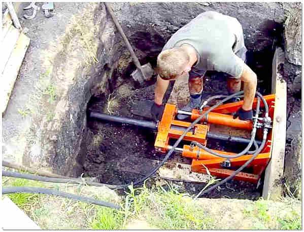 Прокол под дорогой для канализации