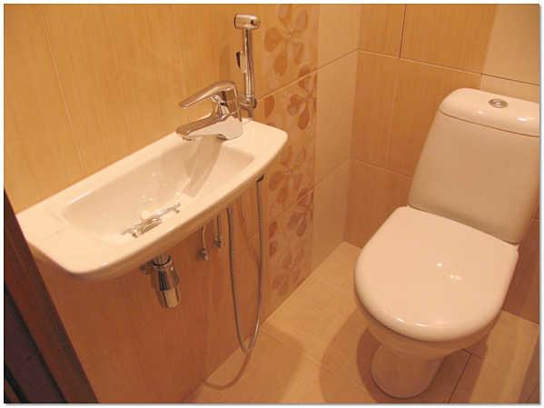 Подключение гигиенического душа в туалете к раковине